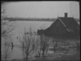 huis tot aan het dak onder water na de Watersnoodramp 1953