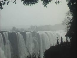 Waterval Africa still uit film Rigtje Wassenaar-Boelstra