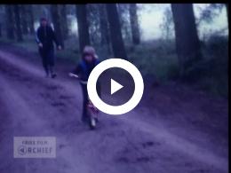 Keyframe of Inge leert fietsen '83; '84; schaatsen '85, 1983-1985
