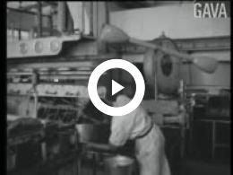 Keyframe of Dorpsfilm Marum, Hoe het hier reilt en zeilt, deel II / J.W.L. Adolfs, circa 1960