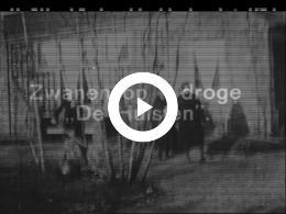 Keyframe of FAMILIEFILM VOL VROLIJKE BEELDEN JAREN 1920 EN 1930