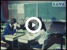 Keyframe of AV1414 Verkeer Eekhorst 4; studenten PA De Eekhorst; 1976-1978