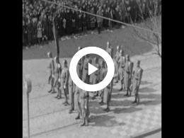 Keyframe of AMATEURFILMS ANTON BUURMAN VAN VREEDEN - Begrafenis koningin-moeder Emma