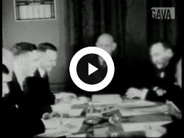Keyframe of Feestelijke bijeenkomst Apeldoornsche Bosch / M. Levie, 1935-1939