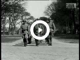 Keyframe of En nu.. de film van het kantonnement Zuidlaren (of) 't Leger anno 1935