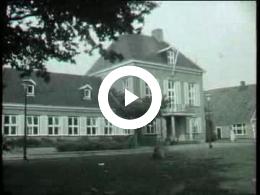 Keyframe of AV2114 Dorpsfilm Diever, deel 1; J.W.L. Adolfs; 1966