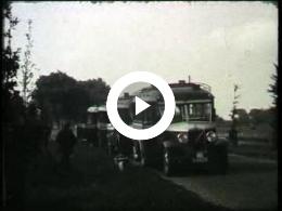 Keyframe of AV2134 DABO film 3; Vermoedelijk de heer Lambers, destijds directeur van de DABO; vermoedelijk jaren '40 of '50