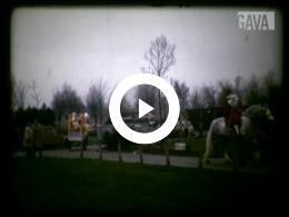 Keyframe of Bekenkampschool: Sint en twee Pieten 1985 / R. Houwerzijl, 1985(?)