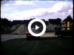 Keyframe of AV1937 Huisbouw aan de Eursingerweg, deel 1; H. Holwerda; 1975