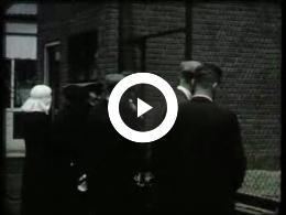 Keyframe of AV2132 DABO film 1; Vermoedelijk de heer Lambers, destijds directeur van de DABO; jaren '30 of '40