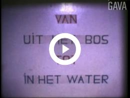 Keyframe of Van uit het bos in het water / werkzaamheden aan de stadsbezittingen in Hoogezand. Beschoeiingswerkzaamheden Kieldiep