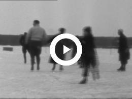 Keyframe of SCHAATSEN, BEVROREN IJSSEL DOESBURG, EIEREN ZOEKEN 1939/40