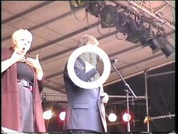 Keyframe of Manifestatie Roze Zaterdag 2001 deel 1
