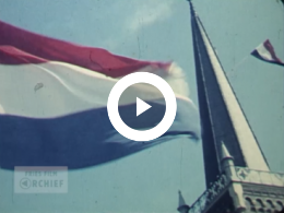 Keyframe of Het bevrijdingsfeest op 5 mei 1955 te Roordahuizum, De optocht, 1955