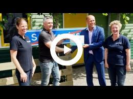 overhandiging_cheque_aan_kinderboerderij_de_trotse_pauw_spijkenisse_2015