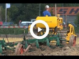 ploegen_h_smit_met_de_caterpillar_crawler_d4c_oogstfeest_swifterbant_boerenlanddag