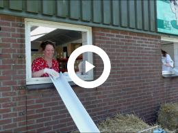 melkveebedrijf_van_leeuwen_organiseert_speurtocht_vanuit_de_auto_heenvliet_2020