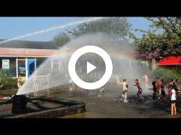 brandweer_zorgt_voor_verkoeling_scholieren_school_de_bron_spijkenisse_2016