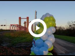 wethouder_mijnans_opent_verkort_fietspad_over_spijkenisserbrug_spijkenisse_2017