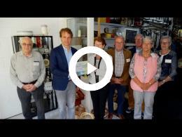wethouder_hamerslag_feliciteert_historische_vereniging_zuytlant_met_25-jarig_bestaan_zuidland_2017