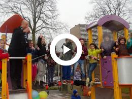 wethouder_mijnans_opent_opgeknapte_speelplaats_-_korenbloemstraat_spijkenisse_2016