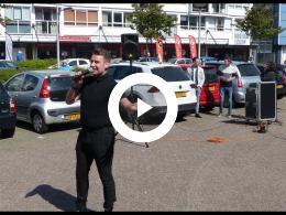 nigel_andrews_zingt_voor_bewoners_van_puttesteijn_spijkenisse_2020