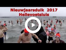 nieuwjaarsduik_2017_in_hellevoetsluis