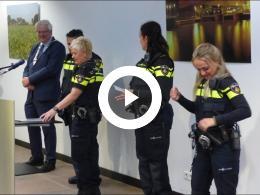 burgemeester_veldhuijzen_installeert_politiekids_spijkenisse_2018