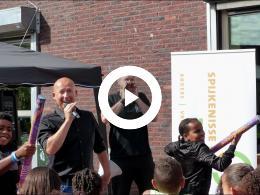 wethouder_mijnans_opent_zomerfeest_spijkenisse_zuid-west_-_joz_westdijk_2018
