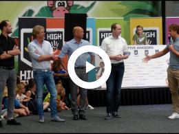 wethouders_tekenen_high_five_akkoord_-_sportcentrum_halfweg_monkey_town_spijkenisse_2018