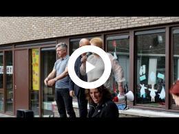 wethouder_mijnans_lost_startschot_sponsorloop_mgr._bekkersschool_spijkenisse_2016