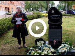 herdenking_bij_monument_britse_short_stirling_ef_357_rotterdam_crooswijk_2020