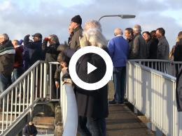 delfzijlsters_en_oudbewoners_nemen_afscheid_van_vennenflat.
