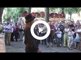 piekenkermis_2006_utrecht_grote_act_kettingzaag_jongleren