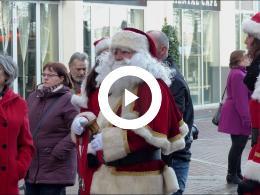 burgemeester_salet_deelt_medailles_uit_op_5e_editie_santa_run_spijkenisse_2017