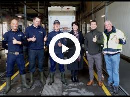 de_vrachtwagen_van_de_voedselbank_spijkenisse_e.o._in_de_hoofdrol_bij_truckwash_rotterdam_2019