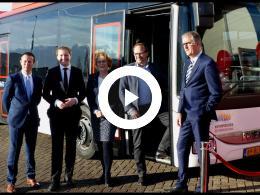 wethouder_bal_houdt_speech_bij_startbijeenkomst_nieuwe_busconcessie_voorne-putten_rozenburg_2018