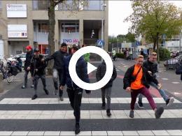 silly_walk_oversteekplaats_centrum_groot_succes_-_80_spijkenissers_laten_het_zien_spijkenisse_2018