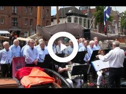 zomer_welvaart_2016_viert_delfsail_met_gronings_shantykoor_de_hunzevaarders.
