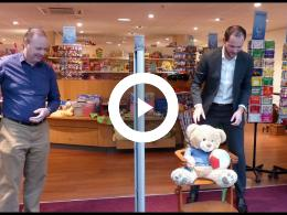wethouder_struijk_opent_speelgoedwinkel_2nd_chance_spijkenisse_2018