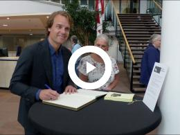 wethouder_hamerslag_opent_expositie_fotoclub_spijkenisse_spijkenisse_2017