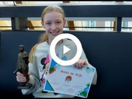 wethouders_struijk_en_soeterboek_bij_verkiezing_eerste_kinderstadsdichter_nissewaard_2020